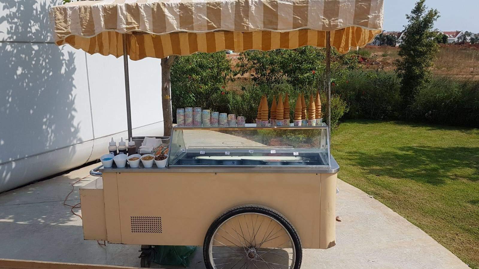 עגלת גלידה לאירועים | קייטרינג טייסטפולי