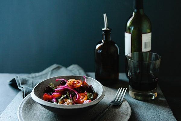 סלט משולב עם יין   טייסטפולי
