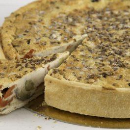 קיש עגול במילוי גבינות ואנטי פסטי